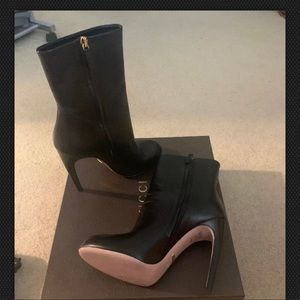 Gucci booties